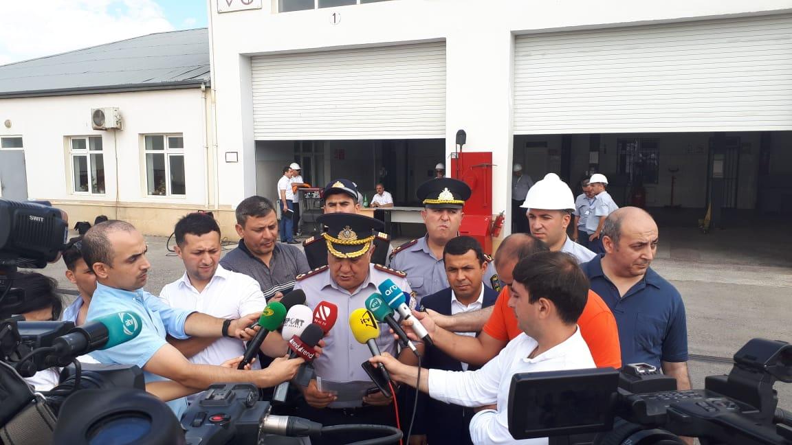 Yol polisi SOCAR-la birlikdə avtomobilləri müayinə etdi - FOTO