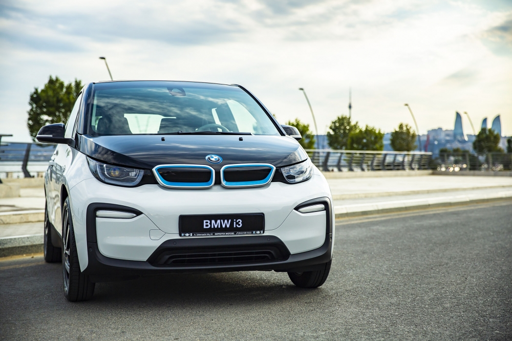 """""""Improtex Motors"""" şirkəti ilk dəfə """"BMW i3"""" elektroavtomobilini təqdim edib"""