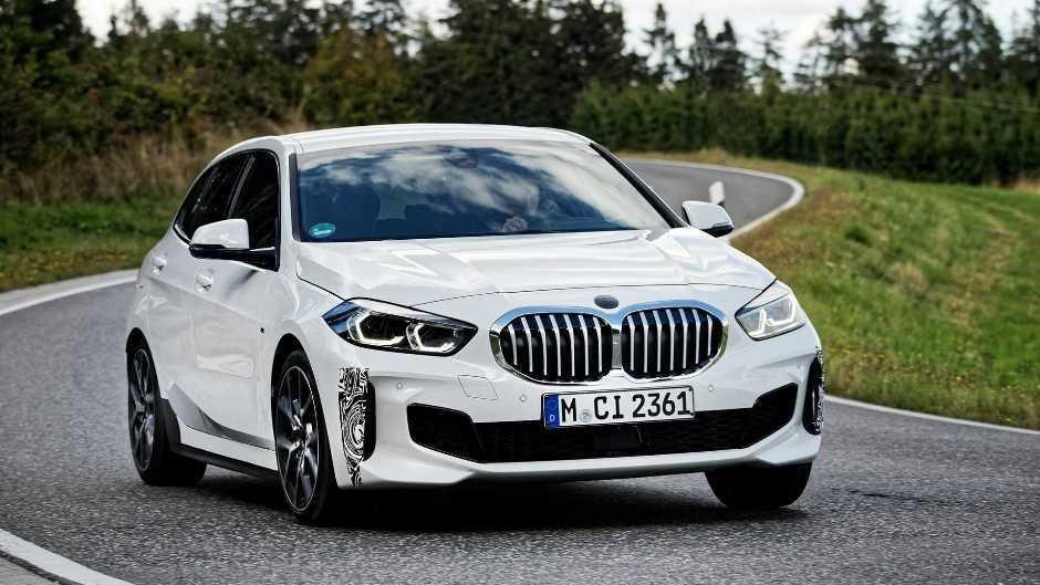 BMW 1 Series modelinin gənclərə ünvanlanış verisyasını hazırlayır