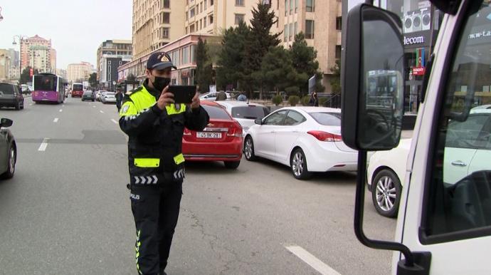 DYP dayanma-durma və parklanma qaydalarını pozan sürücülərə qarşı reyd keçirdi