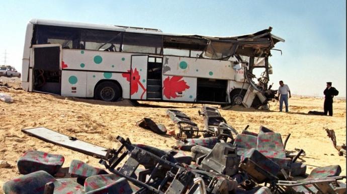 İki avtobus toqquşdu; 16 ölü, 13 yaralı