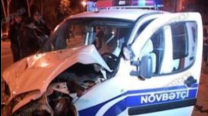 Gəncədə polis avtomobili qəzaya düşüb