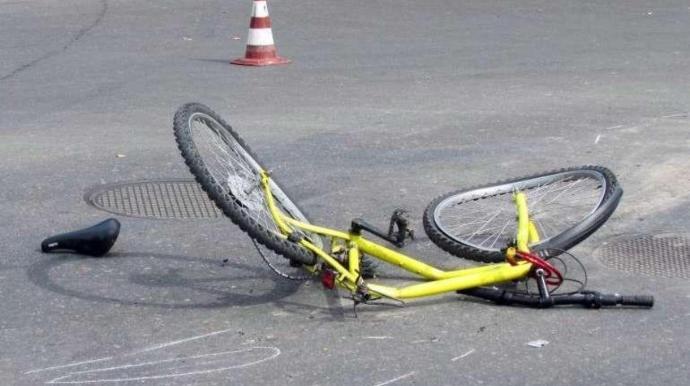 Paytaxtda avtomobil 10 yaşlı velosipedçini vurub